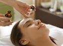Vitamin C फेशियल सीरम लगाएं और चेहरे की प्रॉब्लम को कहें Bye