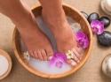 DIY पैरों को मुलायम और खूबसूरत बनाने  के लिए घरेलू उपाय