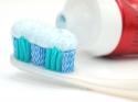 टूथपेस्ट के ये हैक्स आपके रोज़मर्रा के काम को कर देगा आसान