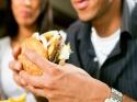 क्या आप भी जल्दी-जल्दी खाते हैं खाना?