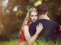 रिश्ते में प्यार कम होने पर मिलते हैं ऐसे संकेत