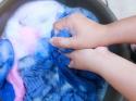कैसे धोएं घर में महंगे कपड़े