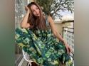 अफोर्डेबल प्रिंटेड मैक्सी ड्रेस में मलाइका ने फ्लॉन्ट किया अपना नेचर लव