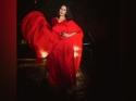 रेड मैक्सी ड्रेस में बेहद स्टनिंग लग रही हैं नेहा धूपिया