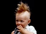 क्या आपके बच्चे के भी हैं घुंघराले बाल, ऐसे करें देखभाल