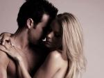 इंटरकोर्स के बाद क्यों महिलाओं के प्राइवेट पार्ट से आता है वीर्य बाहर, जाने कारण