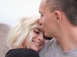 पार्टनर की ये चीजें करती हैं अट्रेक्ट, सिर्फ गुड लुक ही नहीं बढ़ाते ही सेक्स अपील