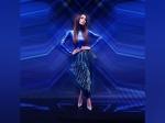 मेटालिक इंडिगो ब्लू ड्रेस में देखें मलाइका अरोड़ा का स्टाइलिश लुक