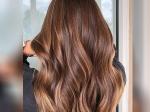 घर पर पॉलीथीन की मदद से करें बालों में हाइलाइट्स