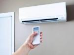 घंटो AC की ठंडी हवा स्किन के लिए होती है खतरनाक, त्वचा का रुखापन दूर करने अपनाएं ये घरेलू उपाय