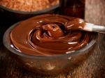फेस्टिव सीजन में ग्लोइंग स्किन के लिए घर पर करें चॉकलेट फेशियल, जानें फायदे