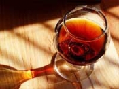 जोड़ों के दर्द में राहत देती है शराब