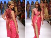 लक्में फैशन वीक के रैंप पर देसी दुल्हन के अवतार में अदिती राव हैदरी