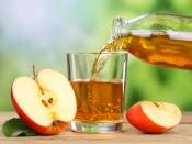 सेब का जूस पीने से होते हैं ये 10 फायदे
