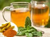 हर रोग से छुटकारा दिलाएगी 1 कप तुलसी और हल्दी की चाय