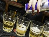 अल्कोहल में एनर्जी ड्रिंक्स मिलाकर पीने से आपको हो हैं ये बड़े नुकसान