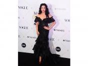 Vogue Beauty Awards 2017 में ऐश्वर्या के इस ब्लैक ऑफ शॉल्डर ड्रेस ने चुराया सबका दिल