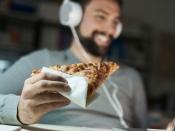पिज्जा, बर्गर खाने वाले सावधान! आपकी सेक्स इच्छा को खत्म कर सकती हैं ये चीजें