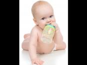 विश्व जल दिवस पर जाने कि बच्चें को पहली बार पानी कब पिलाएं?