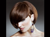 छोटे बालों को स्टाइलिश और बाउंसी दिखाने के लिए ट्राई करें ये आसान टिप्स