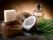 लंबे और मज़बूत बालों के लिए घर पर ही बनाएं कोकोनट शैम्पू, जानें easy steps