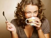 कॉफी या चाय पीते ही आने लगती है पॉटी, कैफीन से क्यों बनने लगता है प्रेशर
