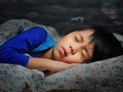 ये संकेत बताते हैं आपके बच्चे को है नींद से जुड़ी परेशानी