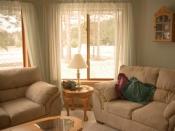 घर की खूबसूरती बढ़ाने वाले पर्दे और सोफा कर सकता है आपको बीमार, जाने कैसे?