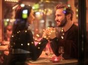 चैटिंग के दौरान इमोजी का इस्तेमाल करने वालों के बढ़ जाते हैं डेटिंग की चांसेज, रिसर्च में खुलासा