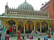 सिर्फ हिंदू ही नहीं मनाते हैं बसंत पंचमी, दिल्ली की इस दरगाह में भी मनाई जाती है 'सूफी बसंत'