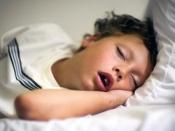 क्या आपका बच्चा भी सोते हुए मुंह से सांस लेता है, जानें इसके नुकसान