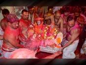 रंगभरी एकादशी: भगवान शिव और माता गौरी खेलेंगे होली, जानें इस दिन का महत्व, शुभ मुहूर्त और पूजा विधि