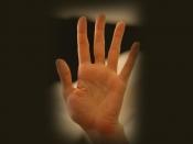 हस्तरेखा शास्त्र: हाथ की रेखाएं ही नहीं, उंगलियों के बीच की दूरी भी खोलती है कई राज, जानें संकेत