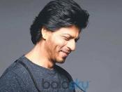 शाहरुख खान जैसे सिल्की बालों के लिए लॉकडाउन में आजमाएं ये टिप्स