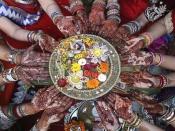 कजरी तीज की पूजा के दौरान जरूर करें इस व्रत कथा का पाठ
