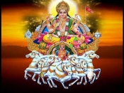 भगवान सूर्य का आशीर्वाद पाने का सबसे सरल और अचूक उपाय है सूर्य चालीसा का पाठ