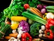 सर्दियों में खाएं बस यह पांच चीजें, शरीर में नहीं होगी पानी की कमी