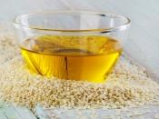 सेहत के लिए फायदेमंद होता है तिल का तेल, जानें क्यों इसे कुकिंग में इस्तेमाल करना चाहिए