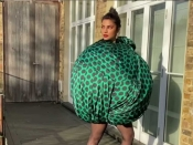 प्रियंका चोपड़ा के अजीबो गरीब फैशन स्टाइल ने सभी को किया हैरान, देखें फोटो