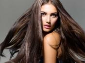 मुलायम और शाइनी बालों के लिए इस्तेमाल करें कोका कोला, जानें हेयर वॉश का तरीका