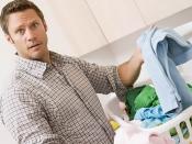 बैचलर लड़को को कपड़े धोने में अब नहीं आएगी दिक्कत, चमकदार और साफ कपड़े के लिए अपनाएं ये आसान टिप्स