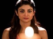 स्ट्रेस फ्री रहने के लिए शिल्पा शेट्टी करती है त्राटक मेडिटेशन, जानें इसके और भी फायदे