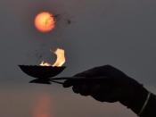 Kark Sankranti 2021: सभी ग्रहों के राजा सूर्यदेव करेंगे कर्क राशि में प्रवेश, जरुर जानें इस गोचर का महत्व