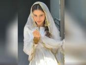 बकरीद ईद पर खूबसूरत और स्टाइलिश लुक के लिए आमना शरीफ के शरारा सूट से लें आइडिया