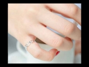 चांदी की अंगूठी पहनने के चमत्कारी फायदों के साथ जानें इसे कब और कैसे धारण करना होता है फलदायी
