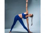 मलाइका अरोड़ा ने विश्व मानसिक दिवस पर किया खुलासा, योगा की वजह से हुई मेंटली स्ट्रॉन्ग