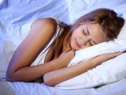 भूलकर भी सोते वक्त इस दिशा में न रखें पैर
