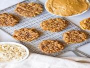 घर पर इस तरह तैयार करें पीनट बटर बनाना कुकीज़