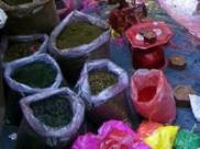 बाजार में मौजूद रंग कर सकते हैं होली को बदरंग