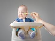 जब ठोस आहार के लिए शिशु न हो तैयार तो मिलते हैं ये संकेत